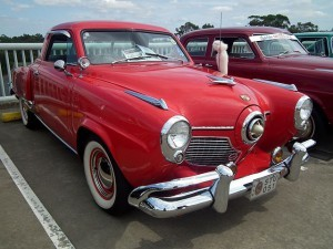 1951_Studebaker_Champion_Starlight_coupe