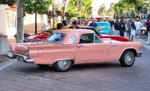 1957_Ford_Thunderbird_Pink_rear