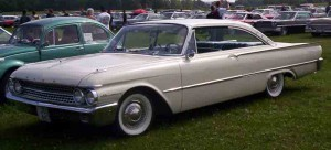 1961_Ford_Galaxie_2-dr_Hardtop
