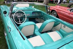 1959-Ford-T-_Bird-int