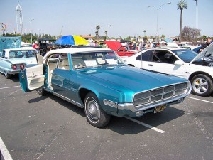 1969_Blue_Ford_Thunderbird